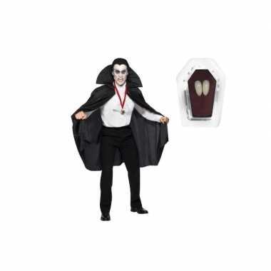 Carnavalpak vampier cape inclusief hoektanden