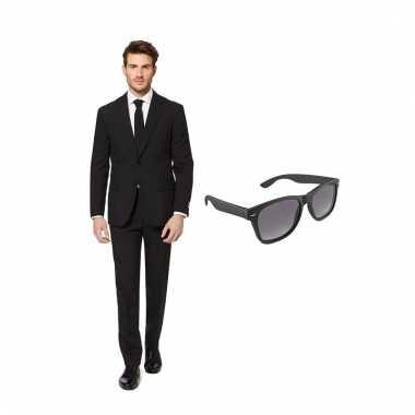 Verkleed zwart net heren carnavalpak maat 52 (xl) met gratis zonnebri